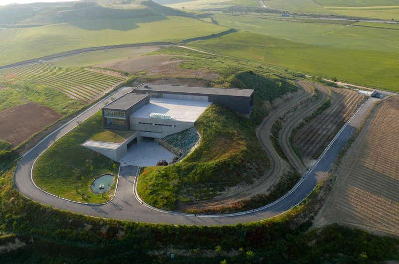 Regalía de Ollauri se convierte en la primera bodega del mundo que emplea la geotermia para elaborar sus vinos