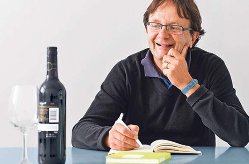 El crítico Peter Keller destaca el popular crianza Banda Azul entre los vinos que se pueden adquirir en los supermercados de Suiza