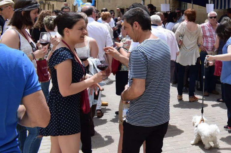 Labastida celebra la feria «Bodegas a pie de calle», con una amplia oferta de vinos