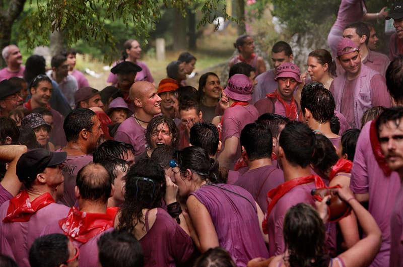 El Gobierno de La Rioja solicitará que la «batalla del vino de Haro» sea declarada fiesta de interés turístico nacional