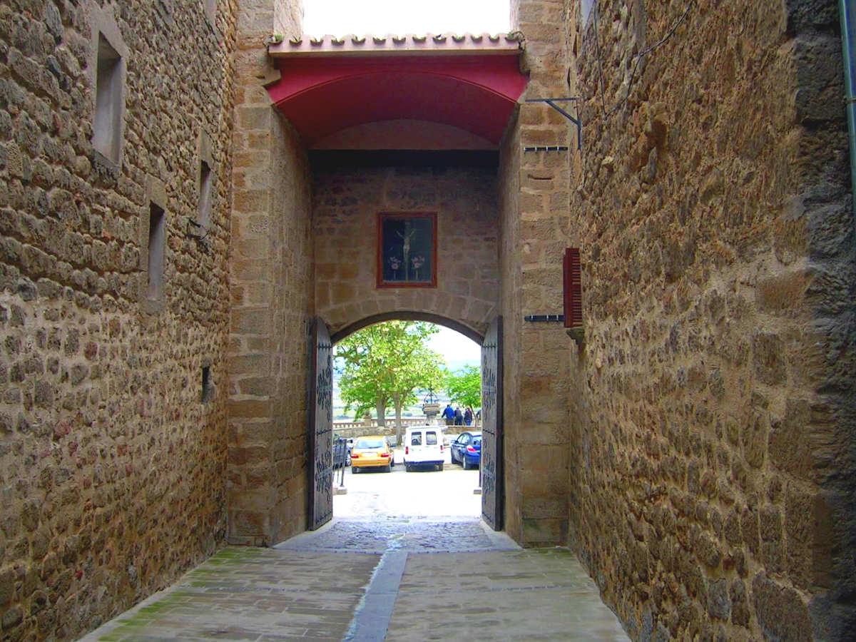 Laguardia, puerta de acceso al recinto amurallado