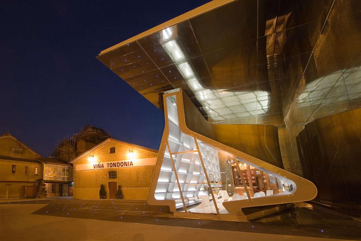 Bodegas Lopez de Heredia, espacio diseñado por Zaha Hadid