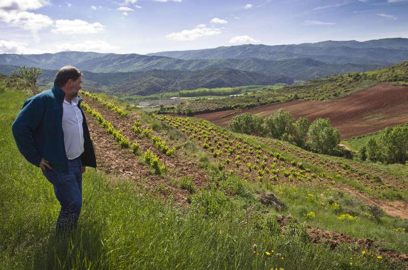 Juan Carlos Sancha en Cerro La Isa, viñedo singular en Baños de Río Tobía (La Rioja).